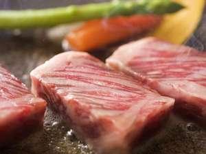 望湖楼: ■■夕食例■■ 【鳥取和牛の陶板焼き】 鳥取和牛をお好みの焼き加減で!