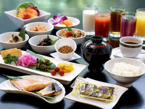 プラザオーサカ:朝食バイキング・和食の盛リ付け例