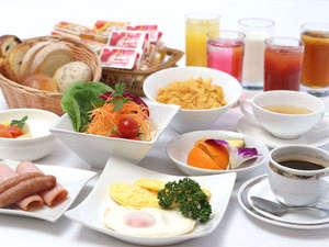 プラザオーサカ:朝食バイキング・洋食の盛り付け例