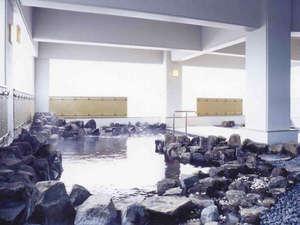 てしお温泉 夕映:*【露天風呂】開放的な雰囲気の中で温泉浴を満喫。