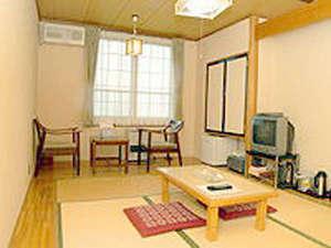 てしお温泉 夕映:*【客室一例】畳のお部屋でのんびりお寛ぎ下さい。