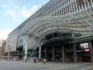 JR博多シティ(JR博多駅博多口)