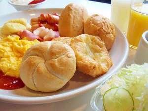 朝食盛り付け例。全てのプランで朝食はご利用頂けます。ぜひお越しください。