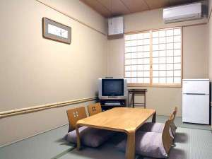 横浜みなとみらい 万葉倶楽部:6畳和室