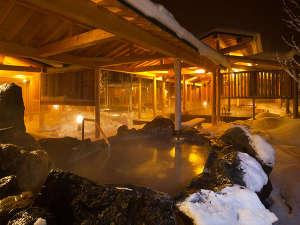 """安比高原温泉ホテル(旧安比グランドアネックス):温泉館""""白樺の湯"""" 雪景色を楽しみながら"""