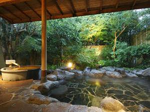 湯めぐりの宿 吉春:こもれびの湯【貸切露天】~壺風呂+7~8人は入れる庭園岩風呂~滞在中空いていれば何度でも入れます