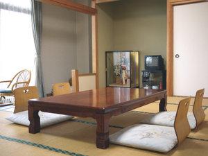 エンヂ荘:*落ち着いた雰囲気の和室をご用意しています。