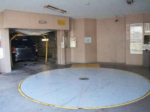 併設の立体駐車場(158cm制限)