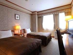 ホテルヴィアマーレ神戸:ツインルーム南側(例)セミダブルサイズベッドが2台でゆったりステイ♪