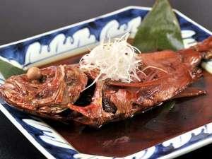 絶景と露天風呂の宿 たかみホテル:【金目鯛の姿煮】夕食クチコミ4・3のメイン料理である人気の姿煮。金目鯛目的のお客様も