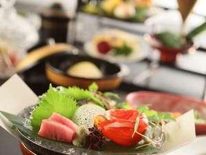 上諏訪温泉 RAKO華乃井ホテル:料理長下湯瀬の会席料理一例