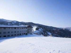 万座プリンスホテル:万座温泉スキー場:ホテルの前がゲレンデなので、アクセスも楽々♪