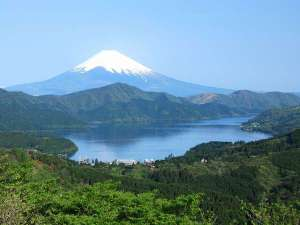 星野リゾート 界 箱根:【富士見峠からの富士山】箱根には富士見スポットが沢山あります。旅の思い出に訪れてみては