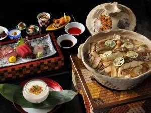 【通常会席(一例)】旬の食材を用いた和会席を、寄木細工の器でお楽しみください