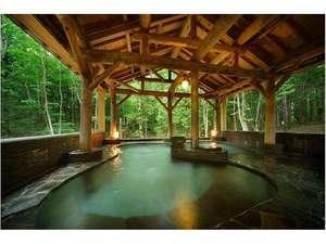 ゆこたんの森:神秘的な雰囲気漂う森の中の露天風呂(きつね・たぬきの湯)