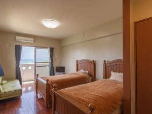 海人の宿:お部屋タイプによってベットが異なります。