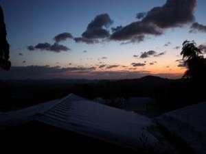 湯元不忘閣:一部客室からの夜明け。政宗公も感動せずにはいられまい。東北は美しいのう。
