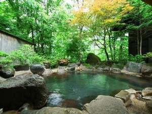 松宝苑(しょうほうえん):「長閑の湯」女性用露天風呂 崖下の平湯川の音を聞きながら