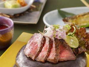 草津温泉 奈良屋:季節の素材をつかった料理が並びます (一例)