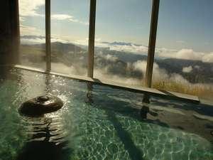 美ヶ原高原 雲上の一軒宿 王ヶ頭ホテル:お風呂からは、南アルプス,富士山等,絶景が・・