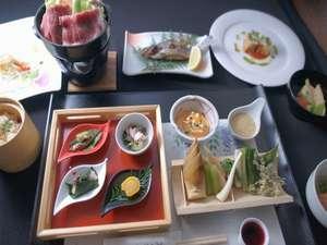 美ヶ原高原 雲上の一軒宿 王ヶ頭ホテル:リゾートにぴったりの地元食材を使った特別なお料理です。