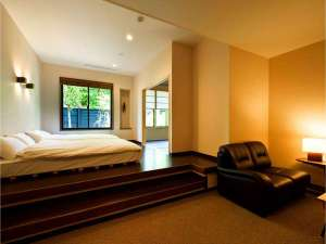 箱根久織亭:参 贅沢間取りの和洋室