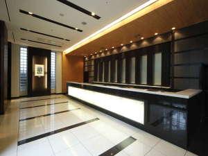 アパヴィラホテル<仙台駅五橋>(アパホテルズ&リゾーツ):フロントロビー