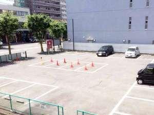 アポアホテル (旧 ホテルサンルート四日市):第2駐車場の様子。隣接の普通車無料の駐車場でお車でも安心。