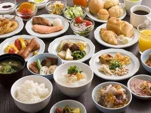 出島の湯 ドーミーイン長崎:品数豊富な和洋バイキングの朝食をどうぞ召し上がれ♪