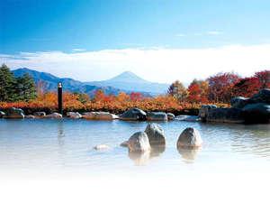 八ヶ岳いずみ荘:*パノラマの湯からの眺め(秋)