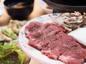 八ヶ岳いずみ荘:*ご夕食一例<ビーフステーキ>お席で焼き立て熱々をお召し上がりください♪