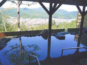 富田山荘:*開放感のある露天風呂を景色と共にお楽しみください。
