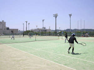 いわき新舞子ハイツ:*テニスコートもございます。旅の合間に一汗流してみてはいかがですか?