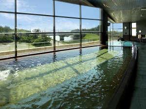 いわき新舞子ハイツ:■【大浴場】大きな窓からは太平洋が一望!こころも癒やされる温泉です