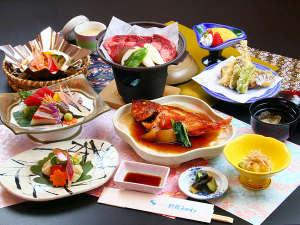 いわき新舞子ハイツ:■スタンダードコースは刺身に旬魚の姿煮に牛ステーキが付いた食べごたえ満点の和会席