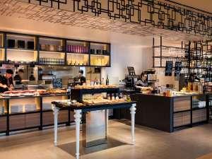 コートヤード・バイ・マリオット新大阪ステーション:Dining & Bar LAVAROCK オープンキッチン