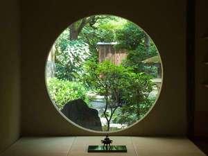 宿屋 西陣荘:【施設】四季折々の玄関