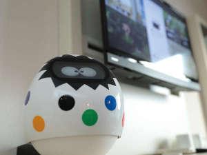 変なホテル舞浜 東京ベイ:【客室】卵型ロボットタピア。たくさん話しかけてください。