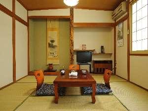 旅館 三之亟湯(さんのじょうゆ):冷暖房完備の和室 9畳間 いたや