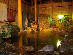 ビジネス旅館はざま:光明石温泉(人工ミネラル温泉)の岩風呂でリラックス♪
