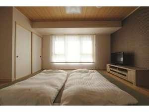 いこいの郷 常総:[和室]8畳の和室で5名迄宿泊可能なお部屋です。テレビ・トイレ・LAN完備