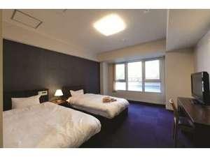 いこいの郷 常総:[洋室]2階の洋室ツインベットのお部屋です。予備のベットを入れることで最大三名迄宿泊可能です