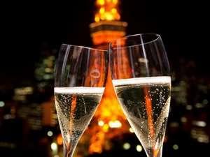 東京タワーの夜景に乾杯