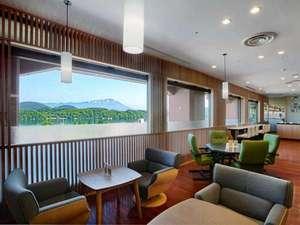 つなぎ温泉 湯守 ホテル大観:※【カフェ】湖を眺めて 2013年4月リニューアルオープン!