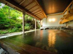 つなぎ温泉 湯守 ホテル大観:「打たせ湯」を楽しみながら自然を満喫♪