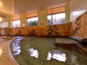 """小浜温泉を""""蒸気""""で愉しむ 湯宿 蒸気家:*大浴場/無色透明で湯の花が舞う温泉は地域の中でも泉質が濃いと好評を得ています。"""