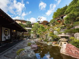 伊豆長岡温泉 Villa Garden 石のや:2000坪の日本庭園