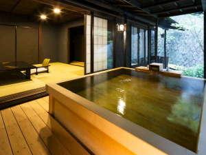 檜露天風呂付客室:檜風呂