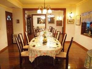 礼文島プチホテル コリンシアン:本館のレストランです。