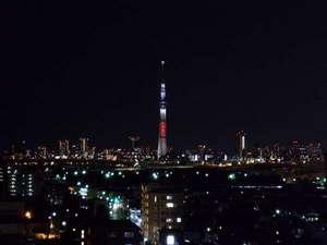 綾瀬国際ホテル:東京スカイツリー(R)夜景 2012/12/24 ホテル屋上より撮影。
